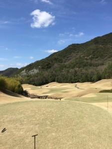 ゴールデンバレーゴルフ倶楽部OUT1番
