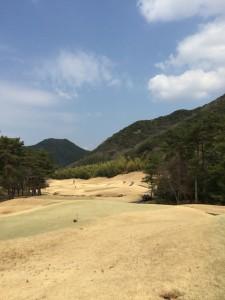 ゴールデンバレーゴルフ倶楽部OUT2番