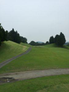 青山台ゴルフ倶楽部01_OUT1番